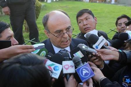 Defensa de bolivianos detenidos en Chile recurre a tres vías