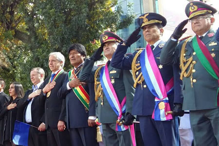 """Ruck: Ejército asume defensa de militares presos por la """"arrogancia"""" de autoridades de Chile"""