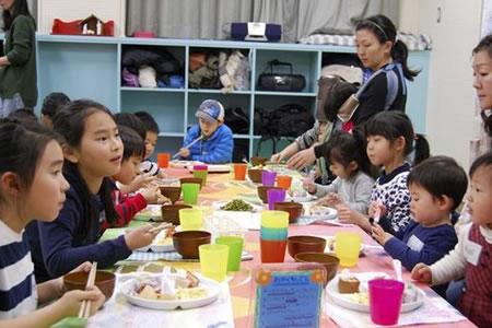 Comedores infantiles, una solución ciudadana al auge de la pobreza en Japón
