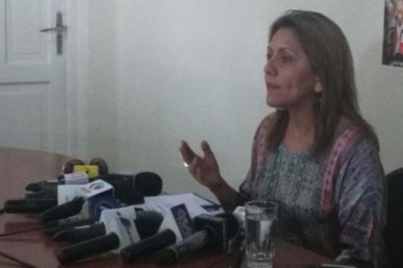 Gobierno denuncia detención de periodistas bolivianos en Chile