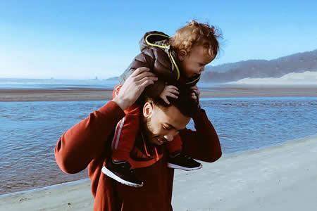 Si eres hombre y quieres ser padre, mejor que te apures (lo dice la ciencia)