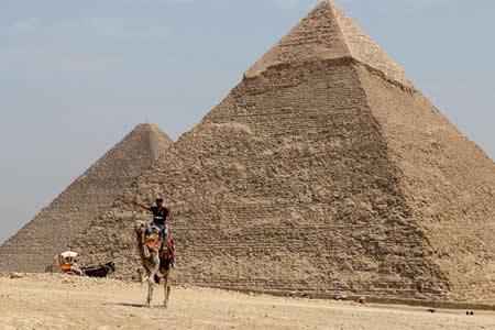 Un nuevo hueco descubierto en Keops agranda el misterio de las Pirámides