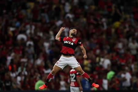 Flamengo sufre pero pasa a semifinales donde espera a Junior o Sport