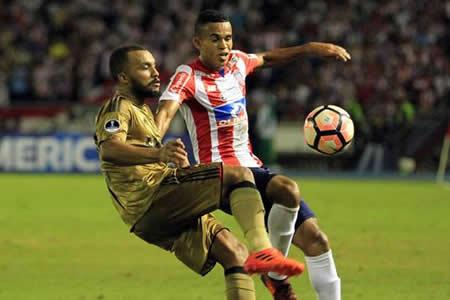 Junior empata con Sport y alcanza su primera semifinal de Sudamericana