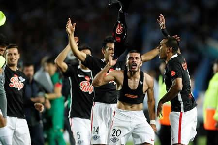 Libertad y Flamengo inician en Asunción y Río las semifinales de Sudamericana