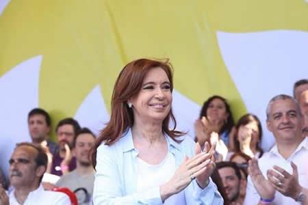 """Cristina Fernández asegura que en Argentina hay una """"locura de precios"""""""