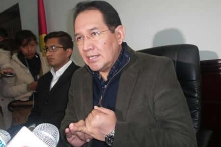 Fiscal: Se redujo investigadores en caso Banco Unión para evitar filtraciones