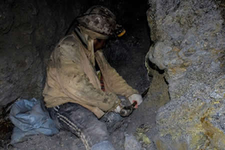 """Minero de 38 años muere asfixiado por """"gas de mina"""""""