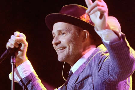 "Muere el cantante canadiense Gord Downie, vocalista de ""The Tragically Hip"""
