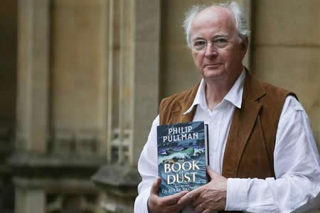"""Pullman regresa al mundo de Lyra con la serie """"El libro de la oscuridad"""""""