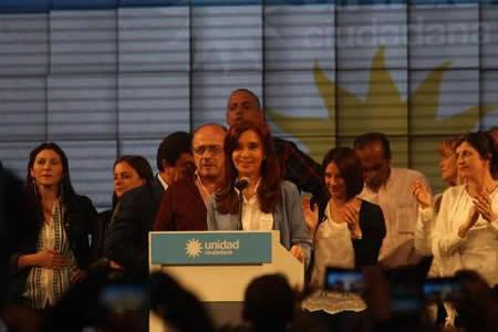 Kirchnerismo se propone como principal opositor y promete poner freno a Macri