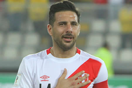 Pizarro cree en clasificación de Perú y que recuperará nivel para el Mundial