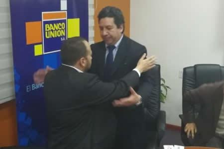 Rolando Marín asume la gerencia del Banco Unión tras salida de Villarroel