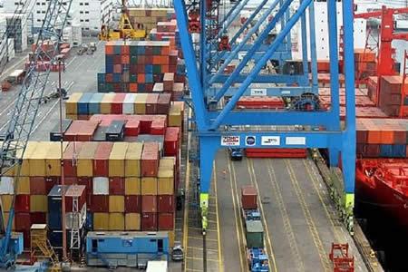 INE: Exportaciones registran leve incremento (1,3%) hasta febrero de este año
