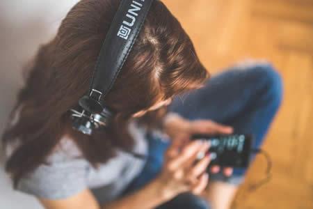 Descubren por qué los 'smartphones' provocan hernia