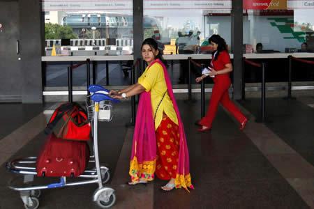 Un hombre se inventa un atentado terrorista para no viajar con su novia
