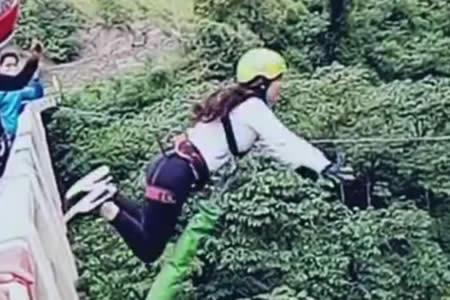 """Joven sufre accidente en una práctica de """"Bungee Jumping"""" en carretera Cochabamba-Santa Cruz"""