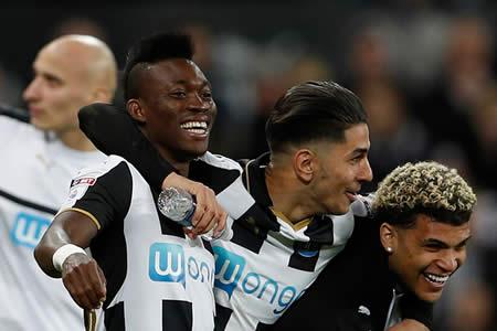 "Benítez devuelve al Newcastle a la ""Premier"""