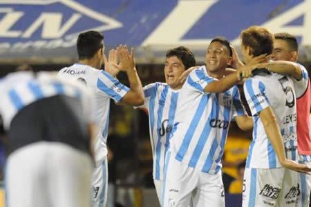 Atlético Tucumán se juega sus últimas opciones ante el Wilstermann