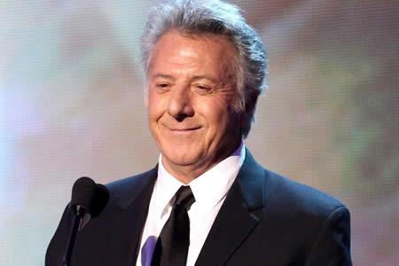 Dustin Hoffman dice que los actores deberían felicitarse más unos a otros