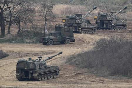 Pyongyang calienta su artillería y Washington envía un submarino a la región