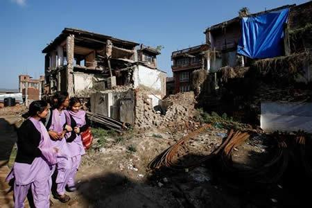 Las víctimas siguen en peligro dos años después del terremoto en Nepal