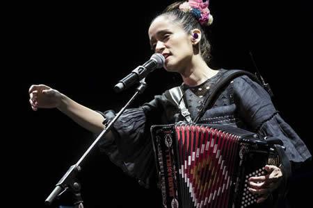 Julieta Venegas se lanza a la conquista de Moscú con un único concierto