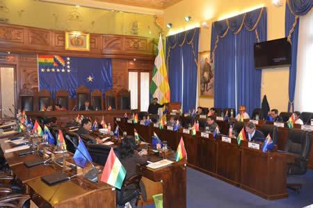 Senado sanciona ley de MyPEs que fortalece capacidades productivas y vigilará importaciones