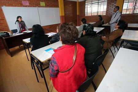 Universidad para tercera edad de Bolivia abre nuevos horizontes para abuelos