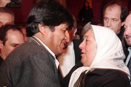 Morales expresa respeto y admiración por 40 años de lucha de las Madres de Plaza de Mayo