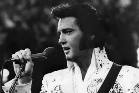"""Memphis """"resucita"""" a Elvis cuarenta años después"""