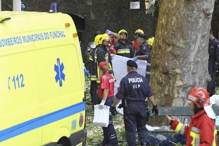 Baja a 7 los ingresados en Madeira por la caída del árbol que dejó 13 muertos