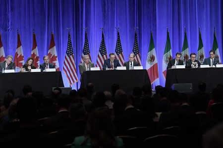 """EEUU: Inicio de negociación para """"actualizar"""" el TLCAN es un día """"histórico"""""""