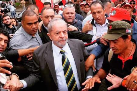 Lula recorrerá las regiones más pobres de Brasil en clima de campaña