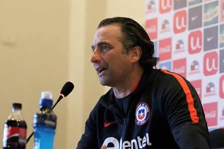 Pizzi llama del exterior a 19 jugadores para partidos con Paraguay y Bolivia