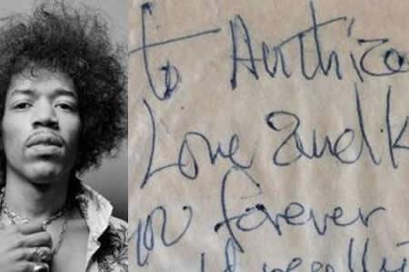 Subastarán una nota que Jimi Hendrix escribió a una mujer en 1967