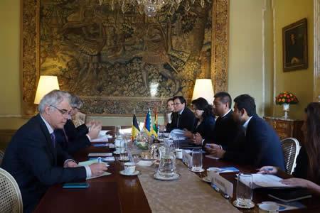 Cancilleres de Bélgica y Bolivia sostienen reunión bilateral en Bruselas