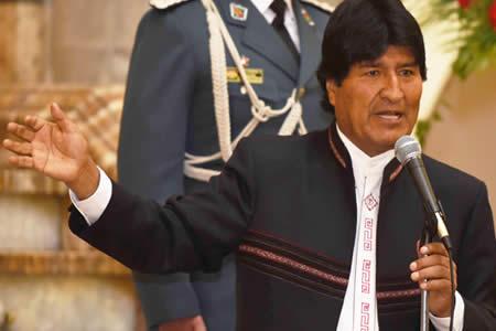 Morales asegura que Chile tenía planes de invadir el Salar y llegar hasta Sucre