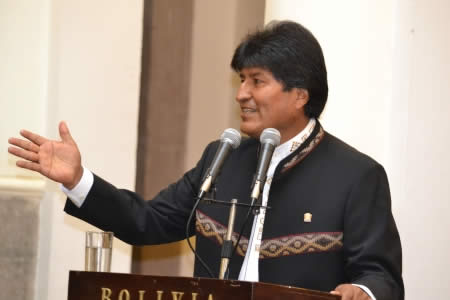Morales cuestiona que Chile hable de agresión e intromisión pero no se refiera a la invasión de 1879