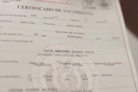 """""""Queremos que sea una bestia"""": Padres registran a su hijo con el nombre de Iron Maiden"""