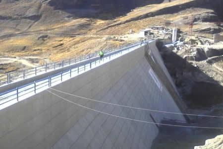 En homenaje a La Paz Morales entrega represa Alto Hampaturi