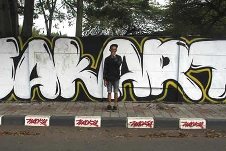 Artistas urbanos combaten el extremismo islámico en Yakarta