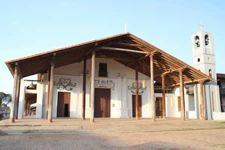 Boltur firma convenio para potenciar turismo en San Ignacio de Moxos y su fiesta 'Ichapekene'
