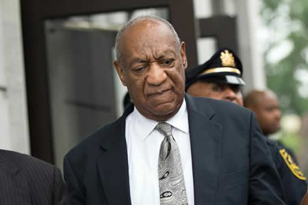 Bill Cosby se queda sin soplar las velas en su bar favorito de Washington
