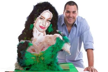 Una Sofía Vergara hecha de plumas renace tras ataque de pulgas