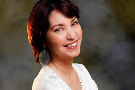 La cubana Daína Chaviano dice que escribe libros por gusto no por publicarlos