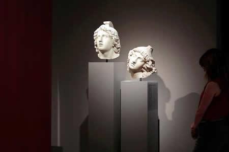 Museo Arqueológico recorre las emociones de Antigua Grecia a través del arte