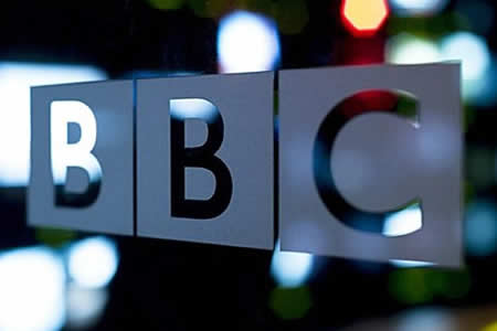 Más de 90 estrellas de la BBC cobran más que la primera ministra, Theresa May