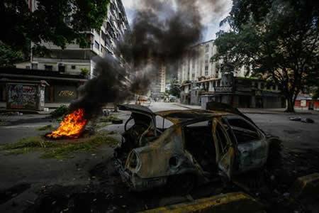 Muere un joven en escenario de protesta durante paro cívico en Venezuela