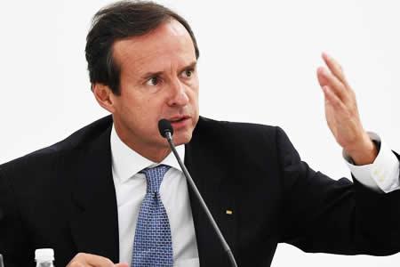 Tuto llama 'oportunista y advenedizo' a García Linera